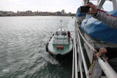 Saliendo a la mar en compañía de la lancha de los prácticos ©IEO